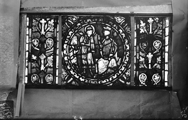 Eglise Saint-Gengoult Vitrail de l'abside, lancette gauche, panneaux supérieurs 4, Romanais (photographe),