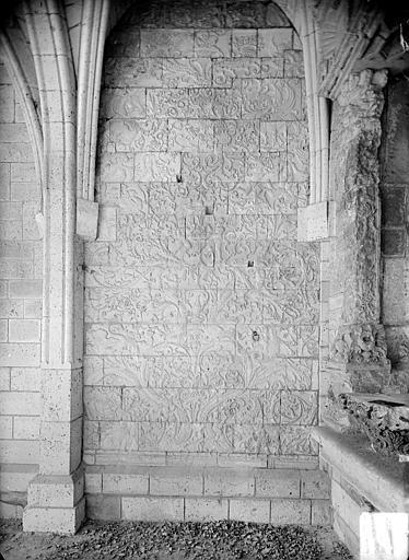 Evêché (ancien) Chapelle des Saint-Gelais : Restes des parements, Heuzé, Henri (photographe),