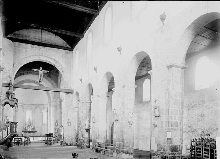Eglise de Locmaria Nef et bas-côté sud vus de l'entrée, Enlart, Camille (historien),