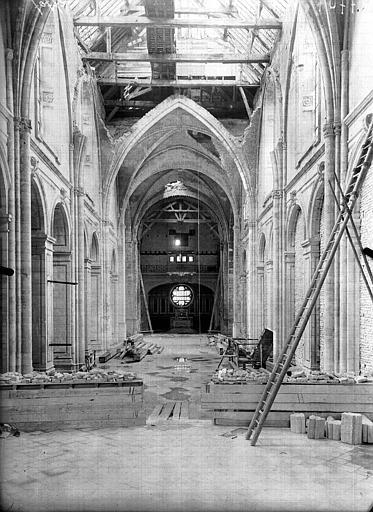Cathédrale Notre-Dame de l'Assomption Nef, vue du choeur, Service photographique,