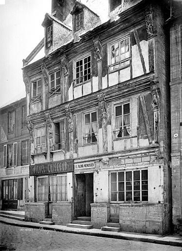 Maison dite d'Adam et Eve Façade sur rue, Mieusement, Médéric (photographe),