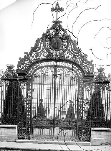 Hôtel-Dieu (ancien) Grille d'entrée, Mieusement, Médéric (photographe),