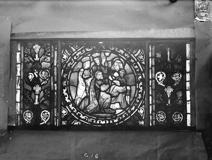 Eglise Saint-Gengoult Vitrail de l'abside, lancette de droite, panneau inférieur 17, Romanais (photographe),