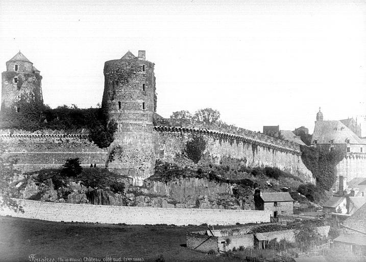 Château ; Remparts Côté ouest : Tour Mélusine, tour des Gobelins, tour de Surienne, Mieusement, Médéric (photographe),
