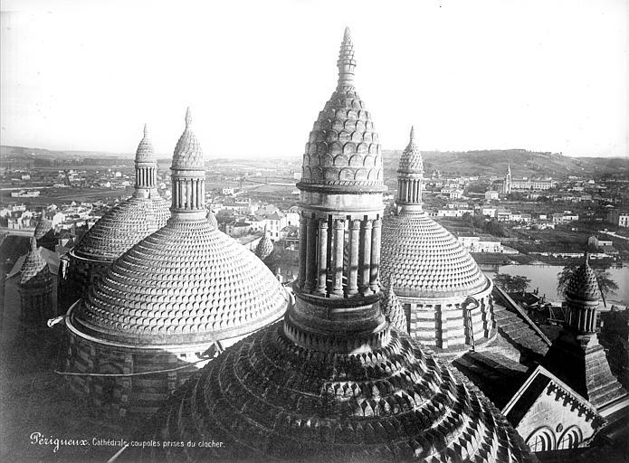 Cathédrale Saint-Front Coupoles prises du clocher, Mieusement, Médéric (photographe),