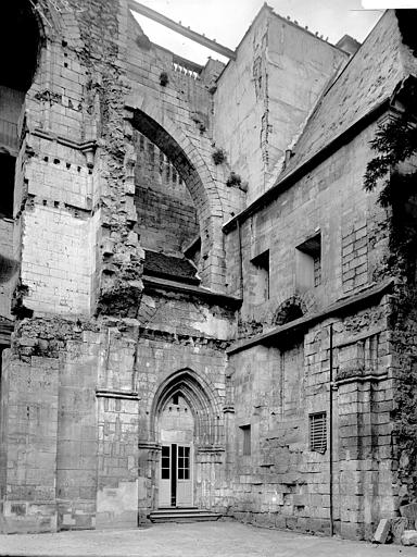 Abbaye d'Ourscamps Ruines, Enlart, Camille (historien),