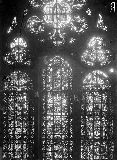 Cathédrale Notre-Dame Chapelles du choeur, vitrail R, Gaudin,