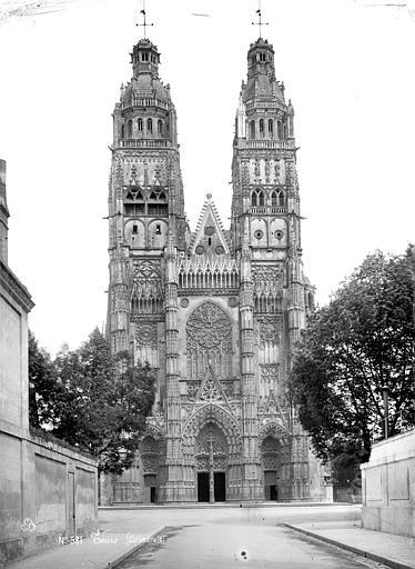 Cathédrale Saint-Gatien Ensemble ouest, Mieusement, Médéric (photographe),