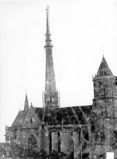 Cathédrale Saint-Bénigne Ensemble nord. Flèche en cours de construction, Delaunay (photographe),
