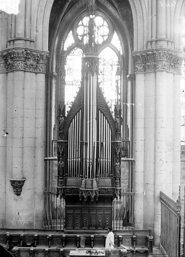 Cathédrale Notre-Dame Buffet d'orgue, Sainsaulieu, Max (photographe),