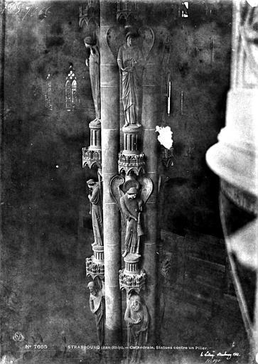 Cathédrale Notre-Dame Vue intérieure du transept sud : Piliers des Anges, Le Secq, Henri (photographe),