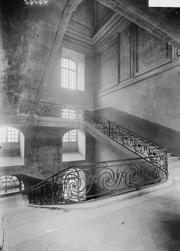Abbaye aux Hommes (ancienne) Rampe du grand escalier, Service photographique,