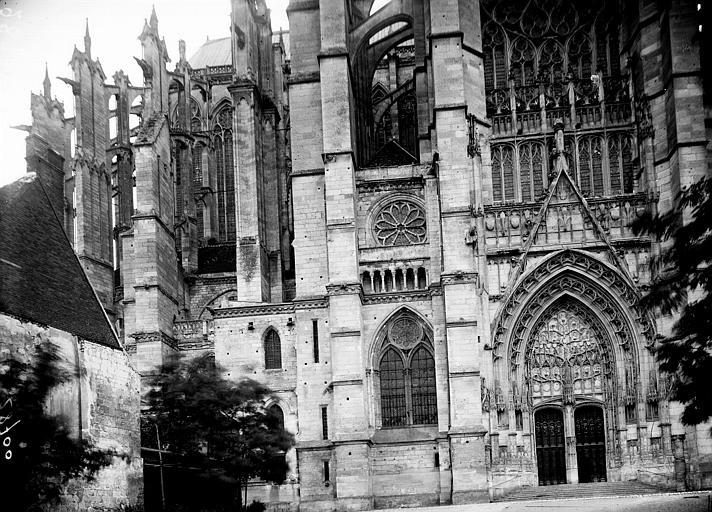 Cathédrale Saint-Pierre Abside et transept nord, Enlart, Camille (historien),