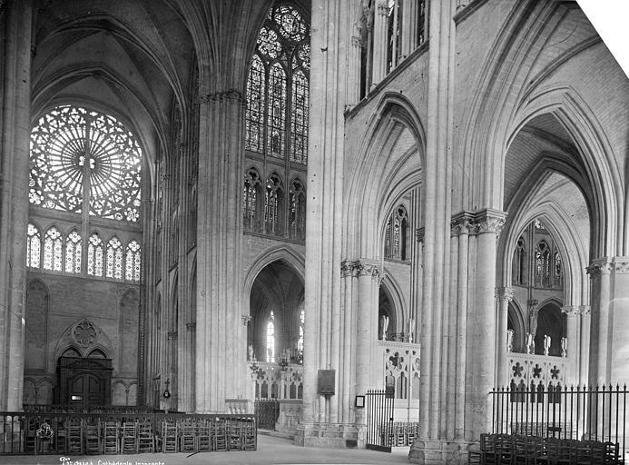 Cathédrale Saint-Pierre Vue intérieure du transept, vers le nord-est, Mieusement, Médéric (photographe),