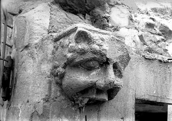 Maison Console gothique, Verneau, G.,