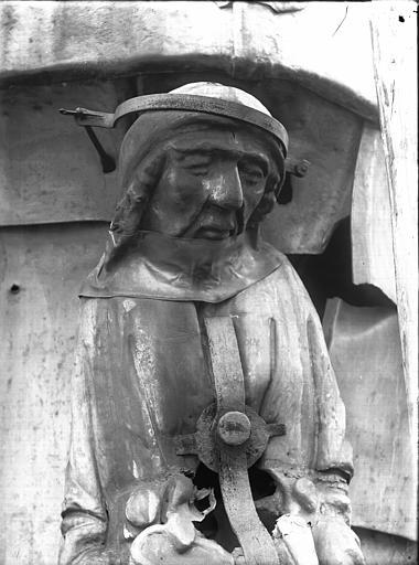 Cathédrale Notre-Dame Clocher à l'Ange, buste d'une cariatide, Lajoie, Abel,