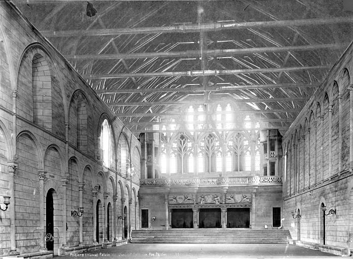 Palais des Comtes de Poitiers (ancien) ; Palais de Justice Salle des Pas-Perdus, intérieur, Durand, Eugène (photographe),
