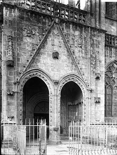Cathédrale Saint-Corentin Porche, Enlart, Camille (historien),