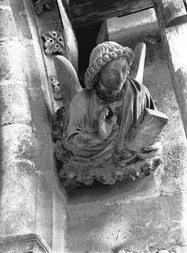 Cathédrale Notre-Dame Transept nord, Ange de saint Mathieu, après restauration, Lajoie, Abel,