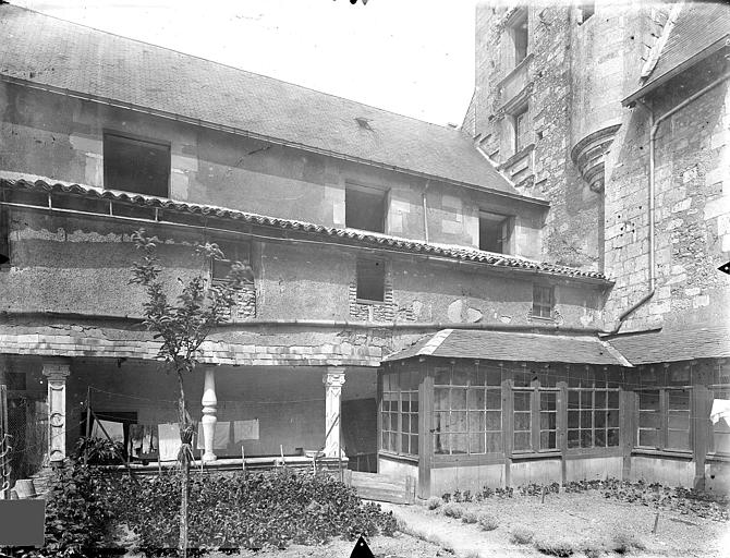 Doyenné Saint-Hilaire Cour intérieure : Cloître, Gossin (photographe),