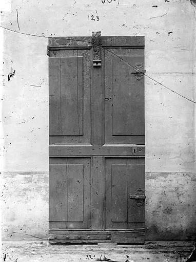 Palais de Justice Lambris peints de la salle des Audiences : Figures allégoriques, Delaunay (auteur de la reproduction) ; Bourgogne, L. (photographe),