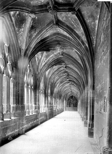 Cathédrale Notre-Dame-de-l'Assomption Cloître : vue intérieure de la galerie sud, Mieusement, Médéric (photographe),