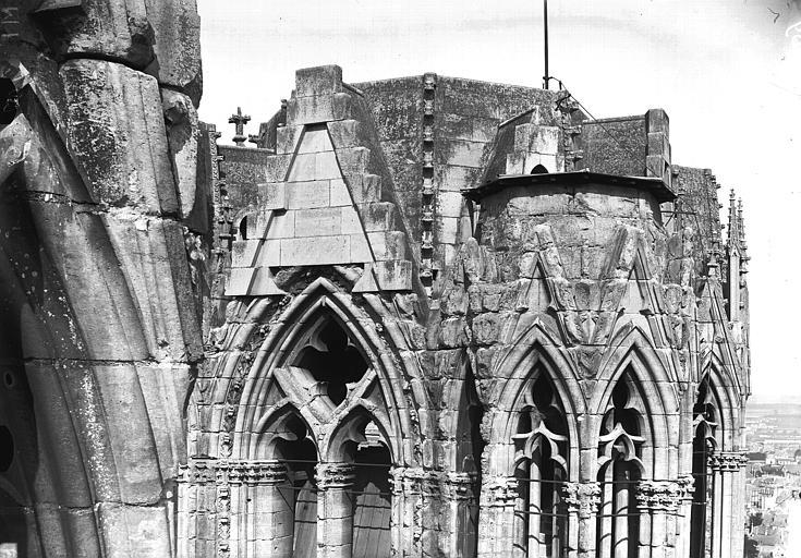 Cathédrale Notre-Dame Partie supérieure de la tour nord, en largeur, Lajoie, Abel,