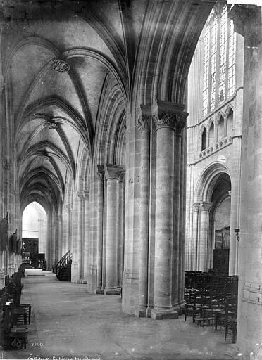 Cathédrale Notre-Dame Vue intérieure du bas-côté nord, vers l'est, Mieusement, Médéric (photographe),
