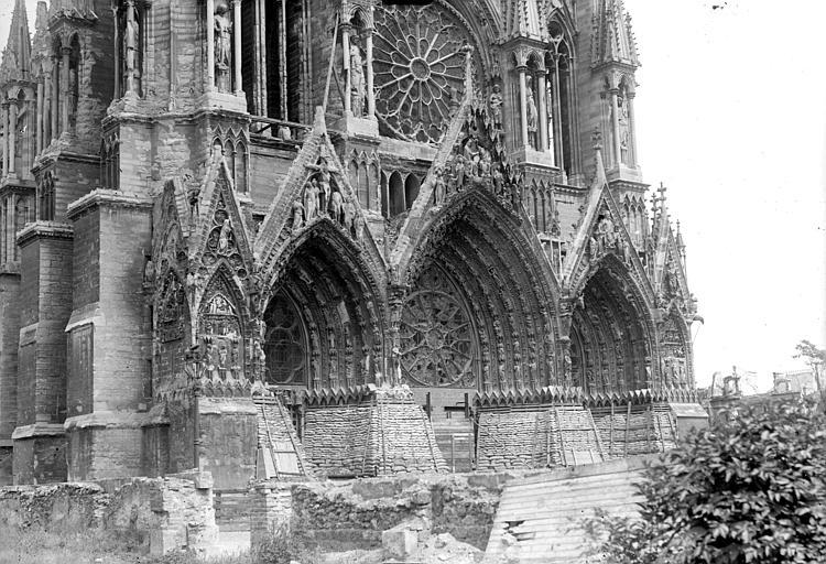 Cathédrale Portail de la façade ouest, Goubeau (photographe),