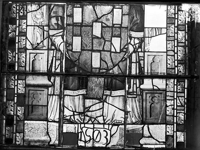 Cathédrale Saint-Etienne (ancienne) Vitrail du transept nord, fenêtre C, panneau inférieur, Romanais (photographe),