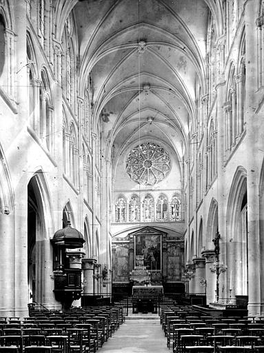 Eglise Saint-Etienne Nef, vue de l'entrée, Durand, Eugène (photographe),