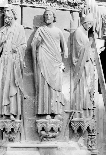 Cathédrale Notre-Dame Portail sud de la façade ouest. Ebrasement gauche : Statues de David, de Salomon et de saint Rémi évêque, Sainsaulieu, Max (photographe),