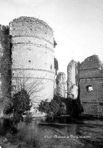 Château (ancien) Tour d'angle et murs effondrés, restes, Mieusement, Médéric (photographe),