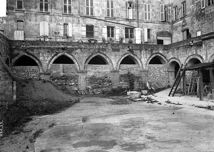 Cloître de Saint-Front Ensemble sur cour, Enlart, Camille (historien),