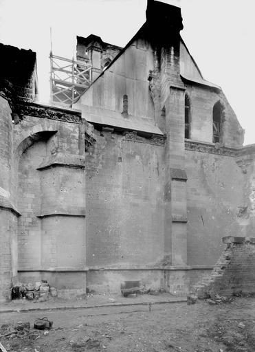 Eglise Notre-Dame (ancienne cathédrale) Cloître, pignon extérieur, Service photographique,