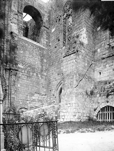 Abbaye de Graville-Sainte-Honorine (ancienne) Partie basse, Enlart, Camille (historien),