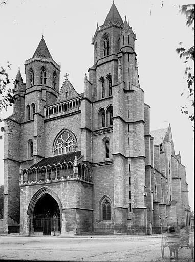 Cathédrale Saint-Bénigne Façade ouest, Enlart, Camille (historien),
