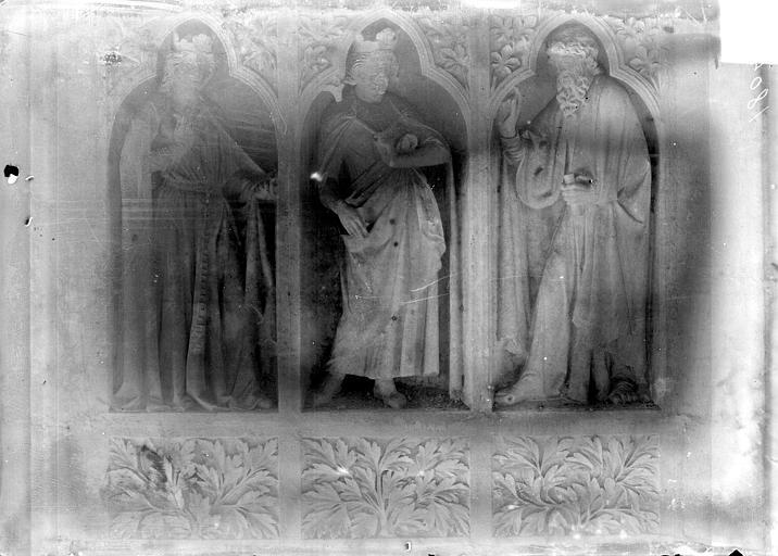 Cathédrale Revers du grand portail de la façade ouest, côté droit, troisième registre, Sainsaulieu, Max (photographe),