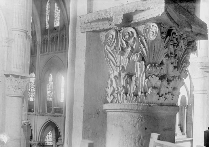 Eglise Saint-Remi Chapiteau, Durand, Georges (photographe à Amiens),