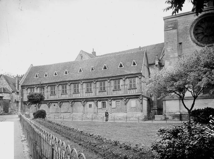 Bâtiment de la Librairie , Heuzé, Y.,