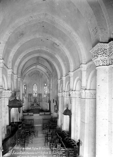 Eglise Saint-Eutrope Vue intérieure de la nef vers le choeur, Mieusement, Médéric (photographe),