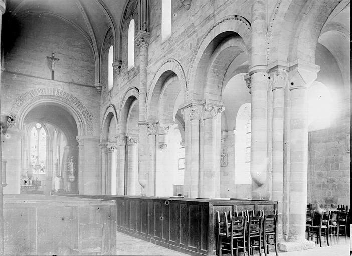 Abbaye de Graville-Sainte-Honorine (ancienne) Nef vue de l'entrée, Enlart, Camille (historien),
