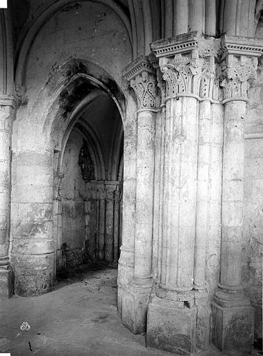 Eglise de Noël-Saint-Martin (ancienne) Choeur et  transept nord, pilier, Durand, Eugène (photographe),