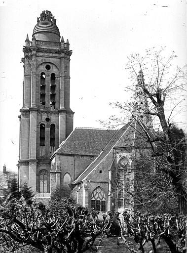 Eglise Saint-Pierre Ensemble sud-est, Durand, Eugène (photographe),