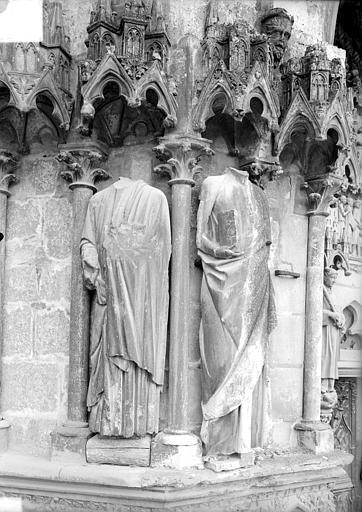 Cathédrale Saint-Etienne Portail central de la façade ouest : statues de l'ébrasement, Doucet ; Baudet (photographe),