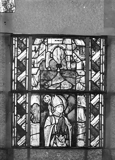 Eglise Saint-Gengoult Vitrail du transept sud, fenêtre A, 1ère lancette à gauche, panneaux inférieurs 3, 4, Romanais (photographe),