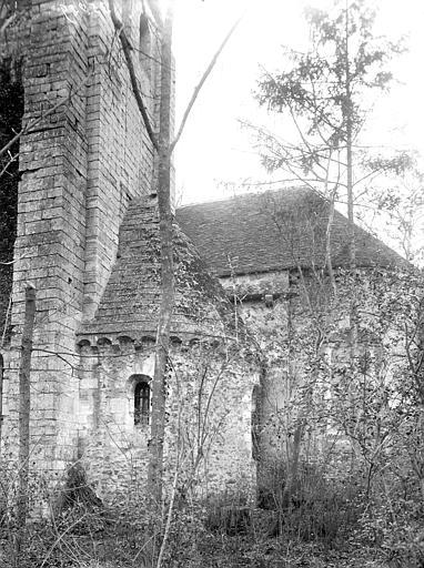 Eglise Absidiole et abside, Enlart, Camille (historien),