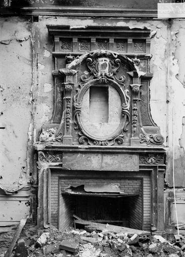 Maison Cheminée Louis XIII, chez maître Guidel notaire, Verneau, G.,