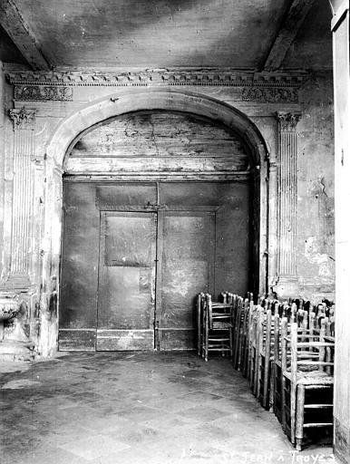 Eglise Clocher, porte, Louzier (photographe),