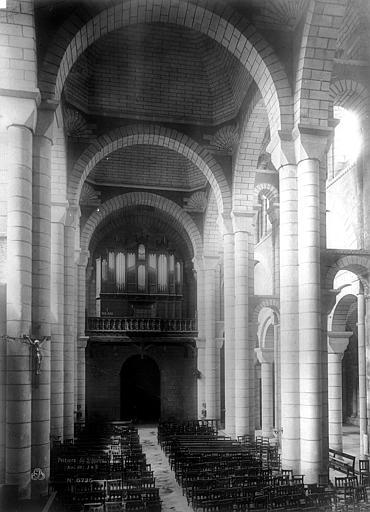 Eglise Saint-Hilaire Nef, vue du choeur, Durand, Eugène (photographe),